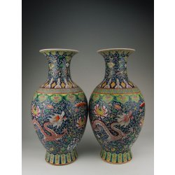 Qing Dynasty QianLong Imperial Ware Pair Of Enamel Glazed Porcelain Vases with Dragon Pattern